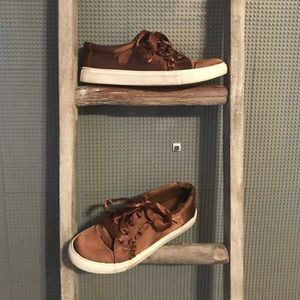 Report Brown Silk Tennis Shoes